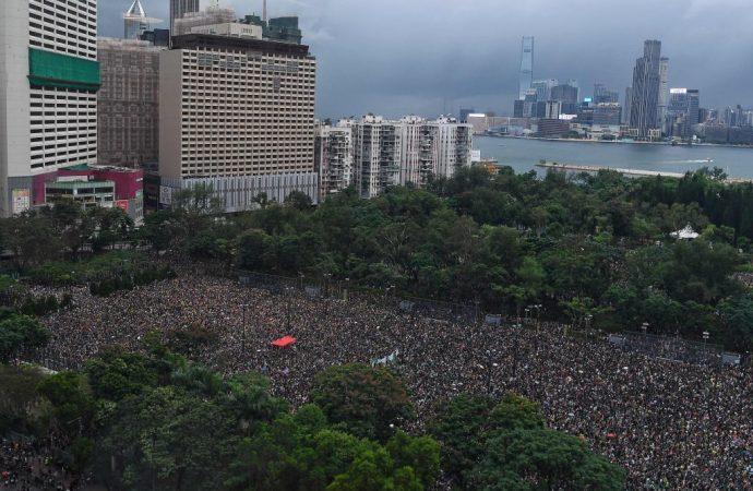 Twitter, Facebook accuse China of Hong Kong meddling