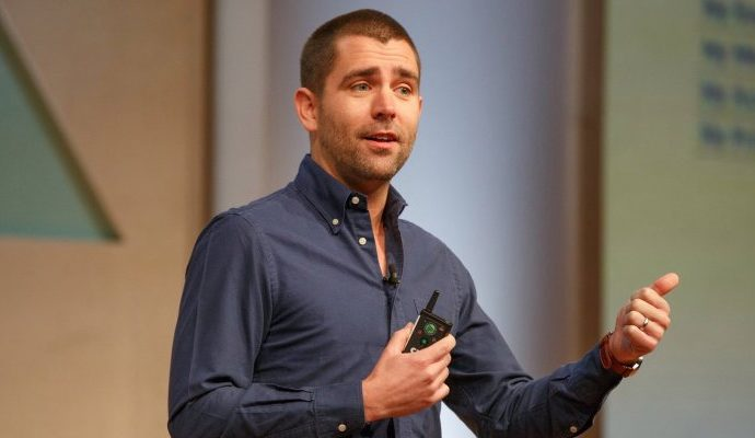 """""""Trump should not be our president"""" says Ex-Facebook CPO Chris Cox"""