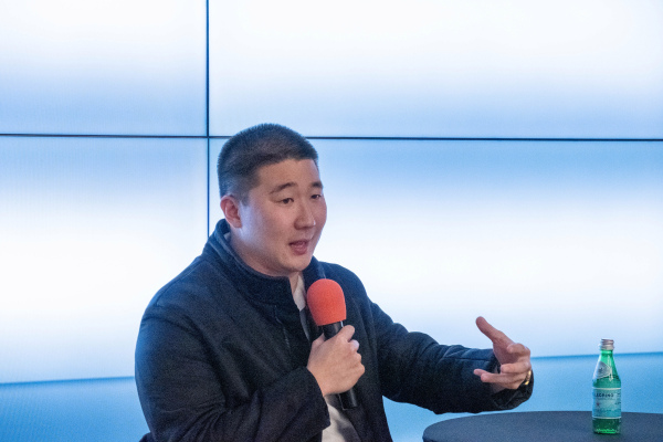 Airtable's Howie Liu has no interest in exiting, even as the company's valuation soars