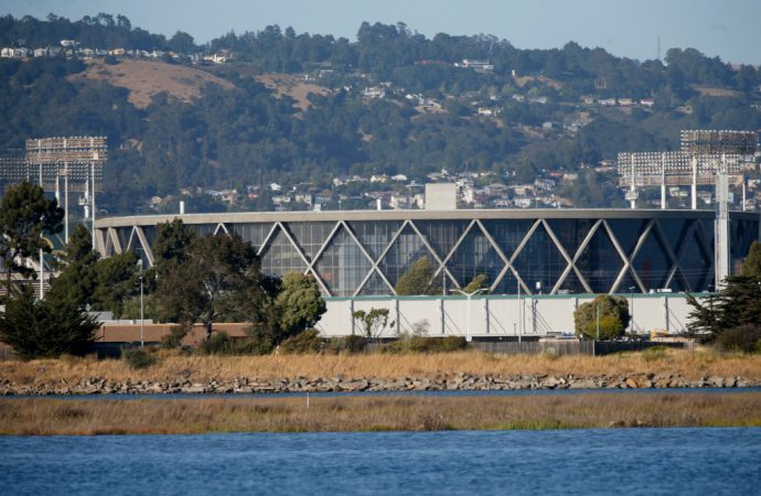 An Oakland WNBA team? It's in one group's plans for the Coliseum site